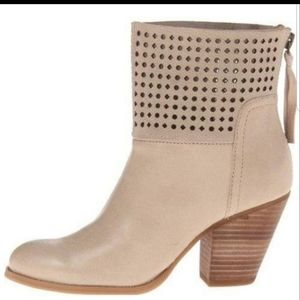 Hippie chic Nine west tan leather ankle boot